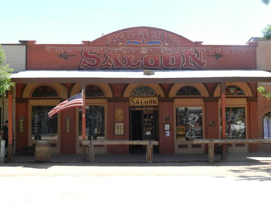 Tombstone Gunfighters: Big Nose Kate's Saloon