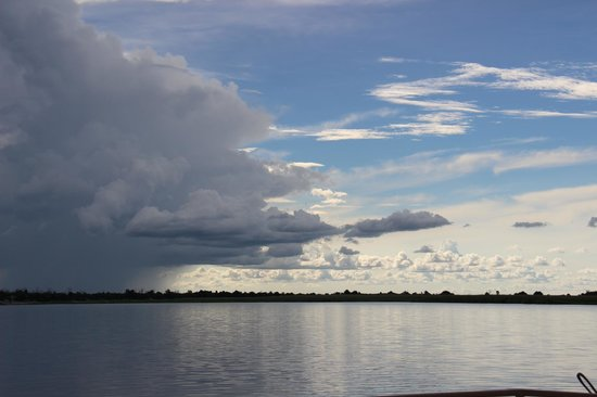 Chobe Game Lodge: sunset cruise