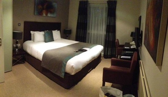 The Lodge Hotel, Putney: double exec room