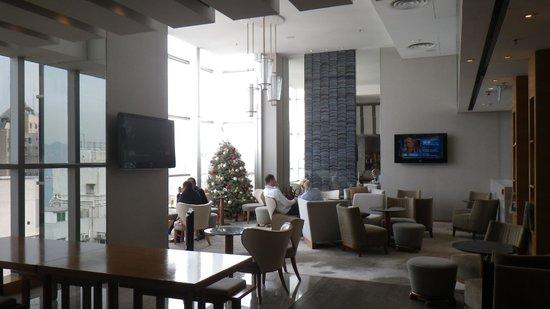 Hotel Jen Hong Kong: bar area