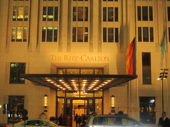 The Ritz-Carlton, Berlin: The Ritz at night