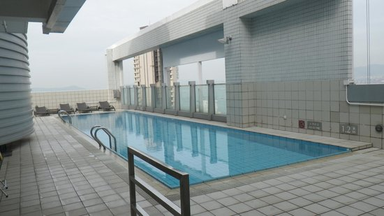 Hotel Jen Hong Kong : roof top pool