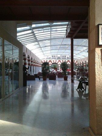 Silken Al-Andalus Palace Hotel: Comedor