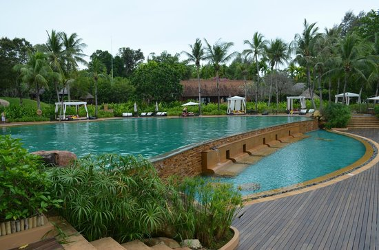Phulay Bay, A Ritz-Carlton Reserve: pool. always empty but wonderful