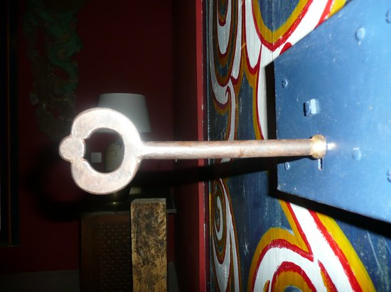 Kandy Samadhi Centre: The room key