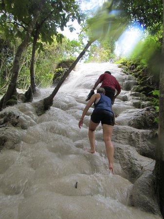 Clifftop Adventures Tour: The White Waterfall
