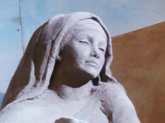 Sand Nativity : espressione di donna