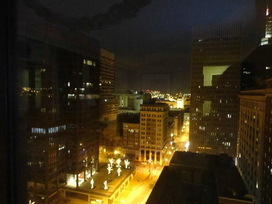 Radisson Hotel Baltimore Downtown-Inner Harbor: View from 21st floor corner suite