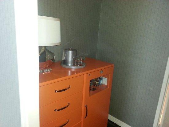 Kimpton Rouge Hotel: minibar