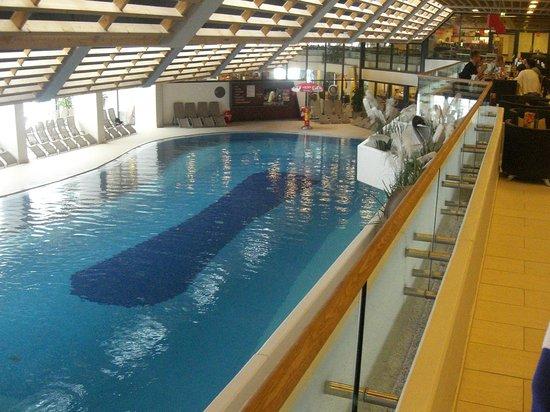 piscina vista dal ristorante bild von olympia sport