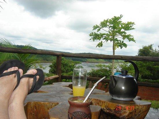 Costa del Sol Iguazu: Desayuno mirando el río...