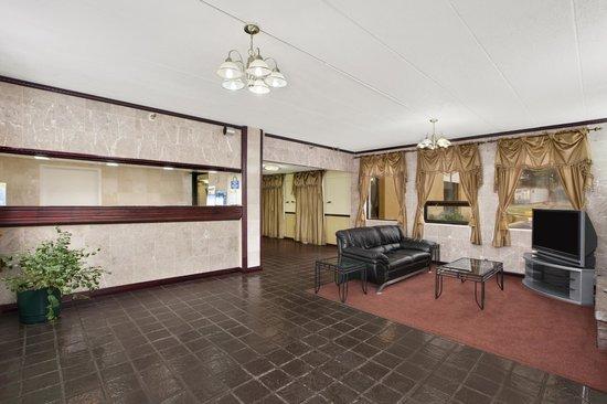 Days Inn Hagerstown: Lobby