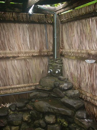 Saladero Eco Lodge: Outdoor passive hot water shower