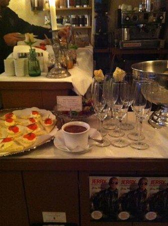 Sven Vintappare Hotel: champagne!
