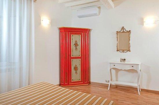 Camera da letto 1 / Sleeping Room 1 - Picture of Al Centro Storico ...