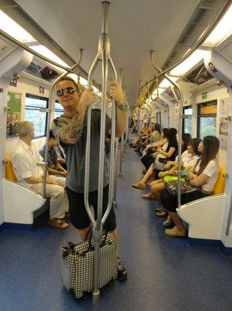 رمبراندت هوتل بانكوك: train is safe 