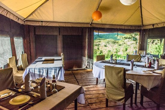 Ang'ata Camp Ngorongoro : The Mess Tent with a view
