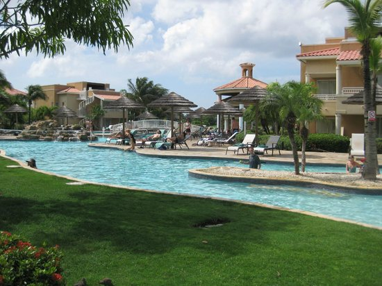 Infinitiy pool divi golf resort picture of divi village golf and beach resort oranjestad - Divi village beach resort ...
