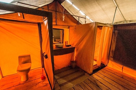 Ang'ata Migration Ndutu Camp: En Suite Washroom