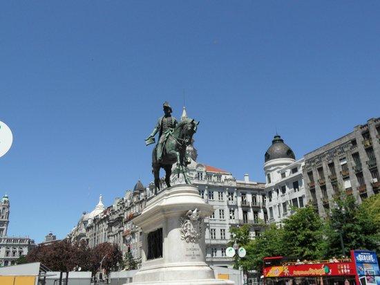 Monumento a Dom Pedro IV: estatua