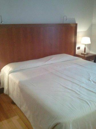 Hotel Genova: Letto & Cuscini !!!