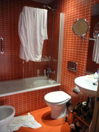 Apartments Casp74: banheiro