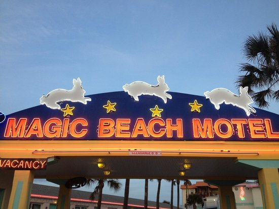 Magic Beach Motel: Sign