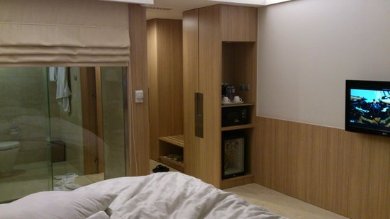 Novotel Surabaya Hotel and Suites: renovated room