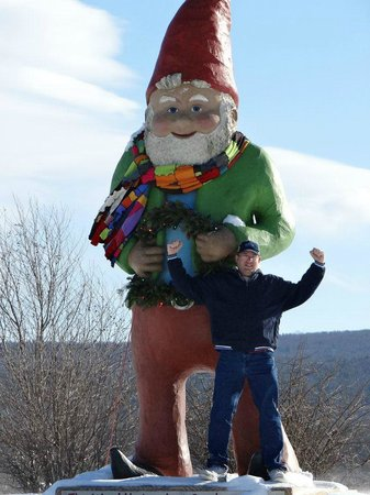 Pinegrove Family Dude Ranch: Nearby - World's largest gnome!
