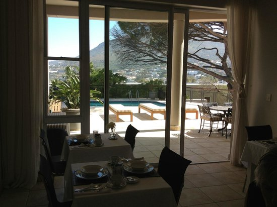 Balfour Place Guesthouse : view from breakfast area