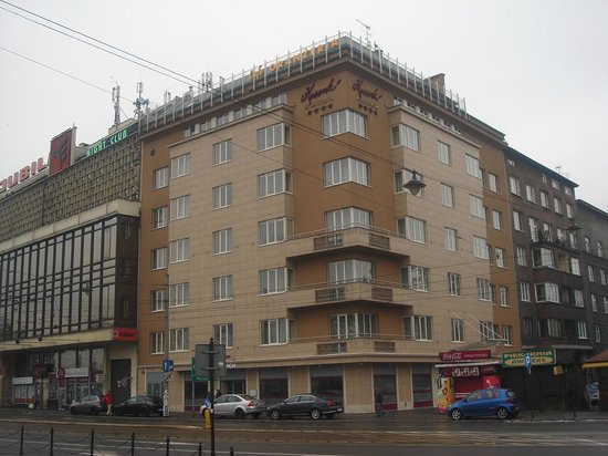 Kossak Hotel: Grim from the Outside, Great on the Inside!
