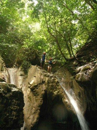 Damajaqua Cascades (27 Waterfalls): Optional jump from the last waterfall