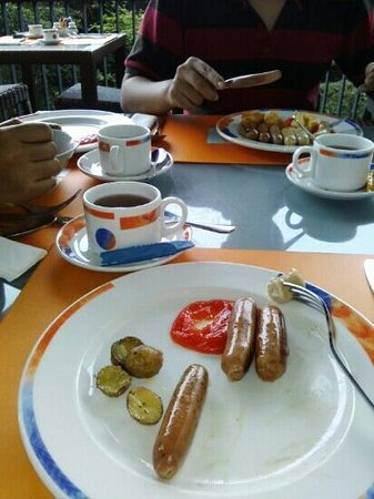 Novotel Bandung: deliciousss breakfast!