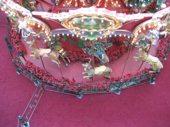 King of Prussia Mall: Merry go round