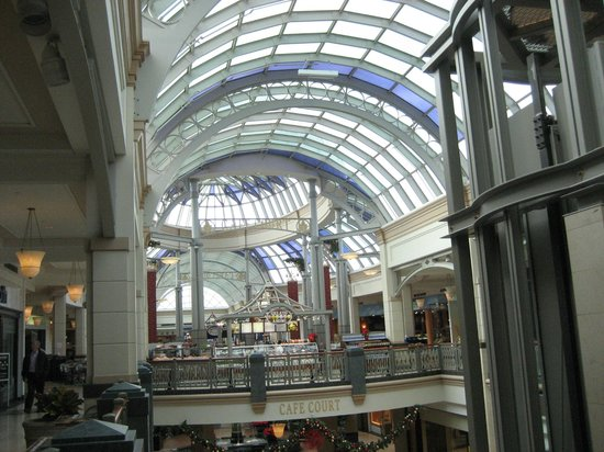 King of Prussia Mall: View of inside