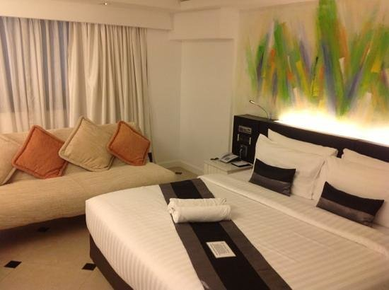 Skyy Hotel: Cool and comfortable room