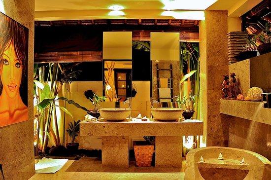 The Zala Villa Bali: My bathroom