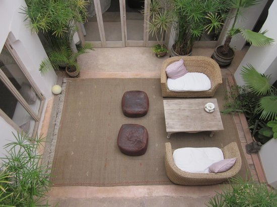 Riad Safa: central courtyard, downstairs