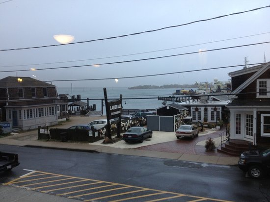 ‪‪Woods Hole Inn‬: View from breakfast