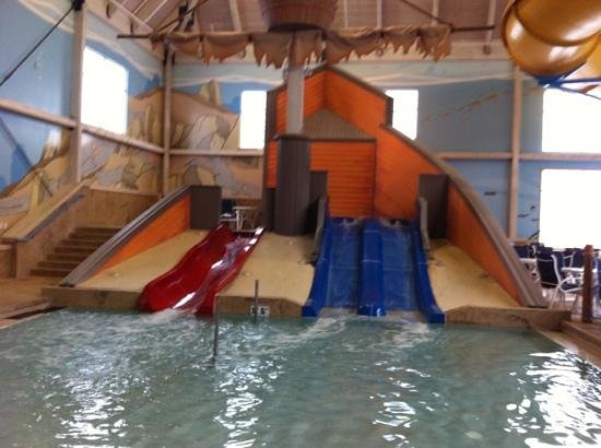 Blue Harbor Resort: toddler slides