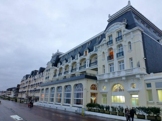 promenadenansicht picture of le grand hotel cabourg mgallery collection cabourg tripadvisor. Black Bedroom Furniture Sets. Home Design Ideas