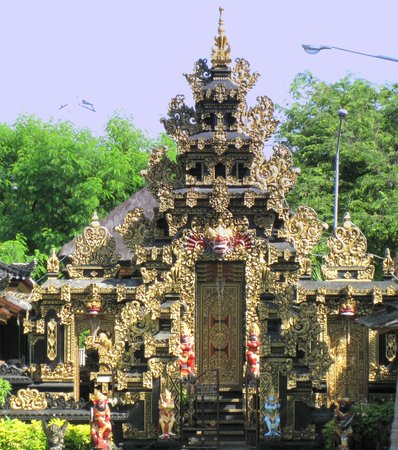 Bali Tropic Resort and Spa: temple on the grounds