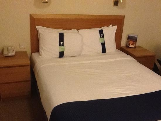 Holiday Inn London - Heathrow Ariel: bed
