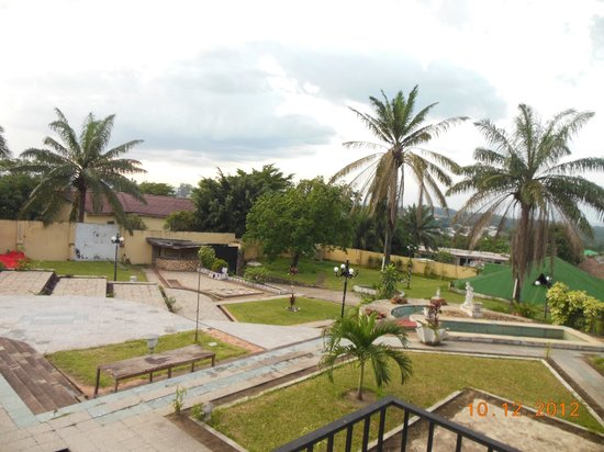 Nkita Lodge : Giardino esterno