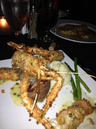 Giovanni's: Surf and Turf with Full-bodied Scampi