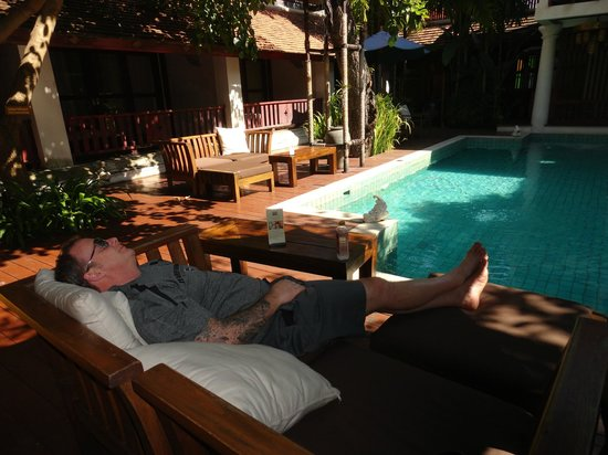The Rim Resort: Don relaxing at the Pool