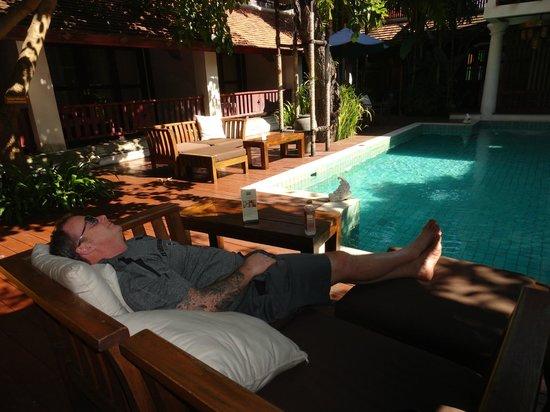 ذا ريم ريزورت: Don relaxing at the Pool 
