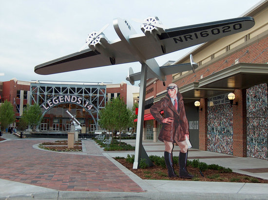 Legends Outlet Mall Kansas City Kansas