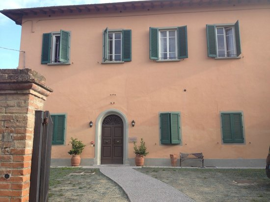 Hotel San Miniato: Second building, our room was the two windows to the looker's right on the second floor