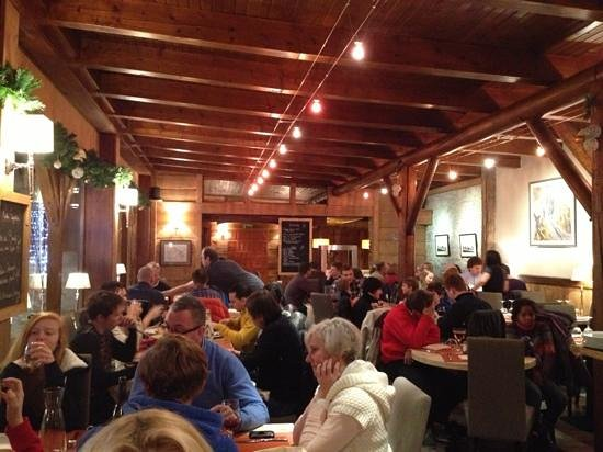 Restaurant Les Chéserys : ambiance chaleureuse